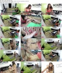 Развратная девченка раздвигает свои ножки перед членом друга!